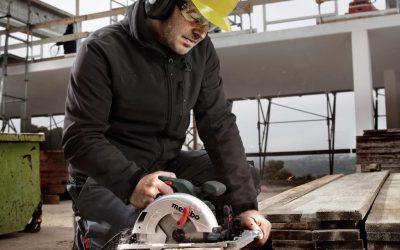 Investigan a una empresa de Yecla por un accidente en el que un obrero perdió tres dedos con una sierra mecánica