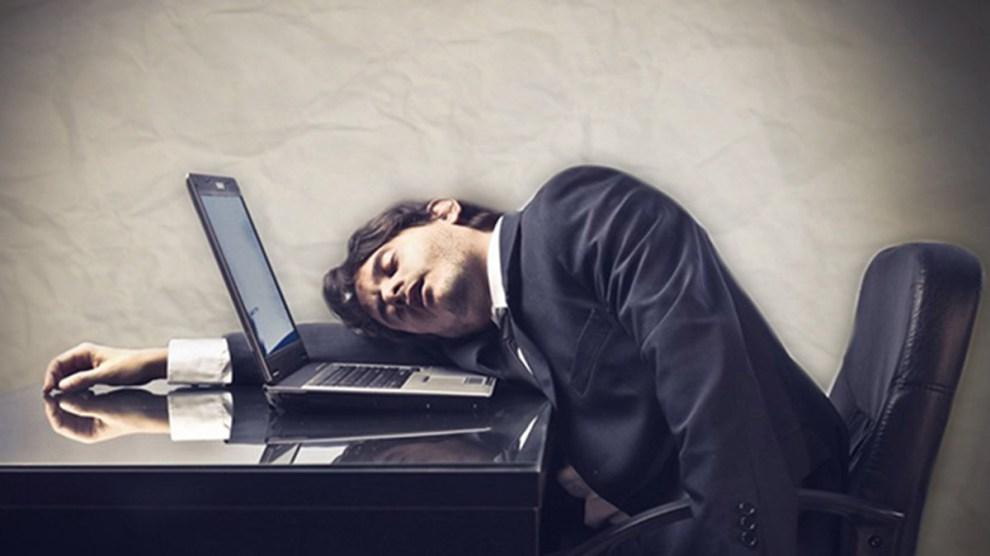 Los 'karoshi' españoles: muertos por trabajar sin descanso